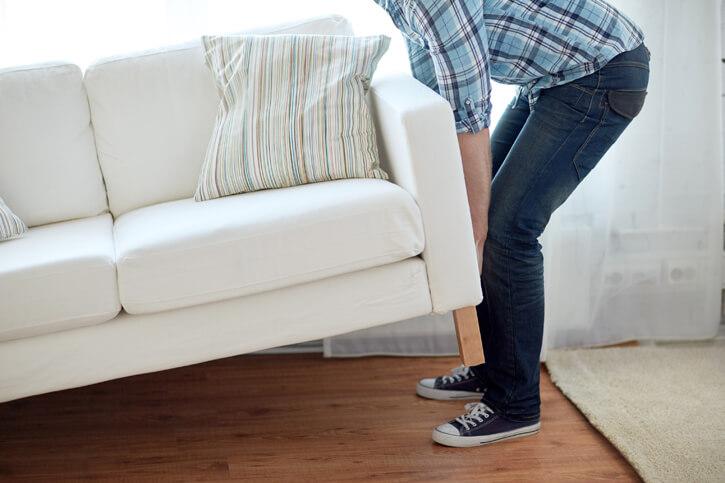 Пояс для спины нужно использовать при поднятии тяжести