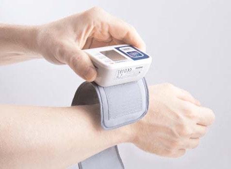 Автоматический тонометр на руку